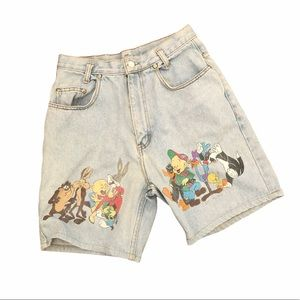 Vintage Loony Toons high rise light jean shorts 26